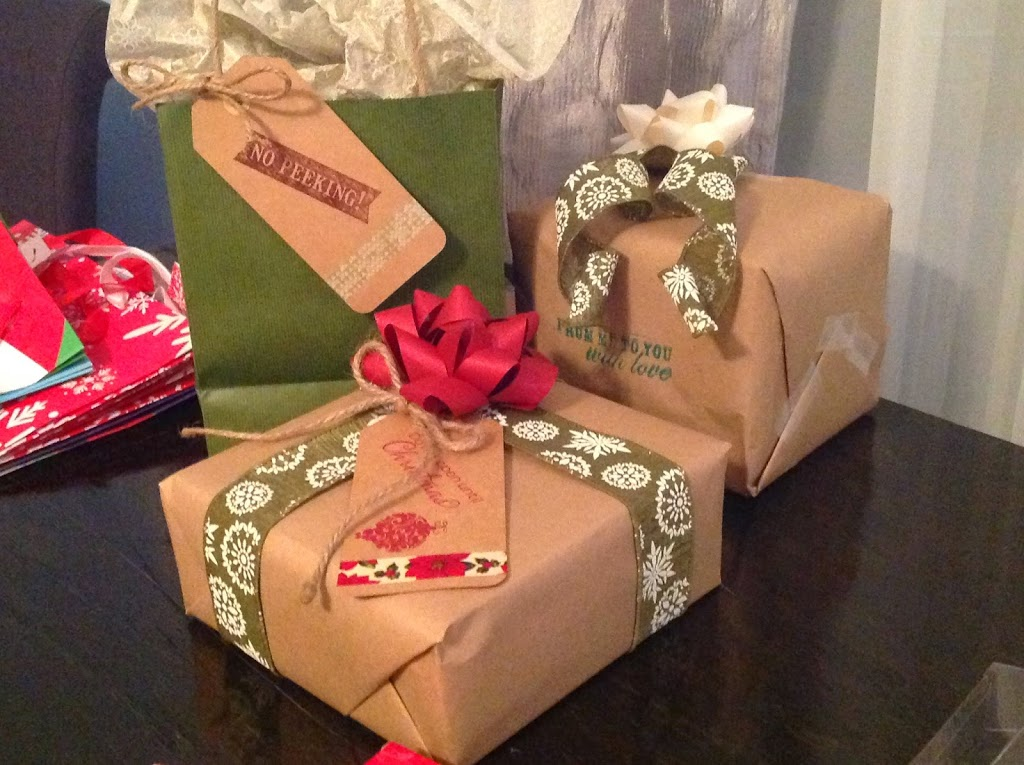 using washi tape and kraft paper  for gift wrapping