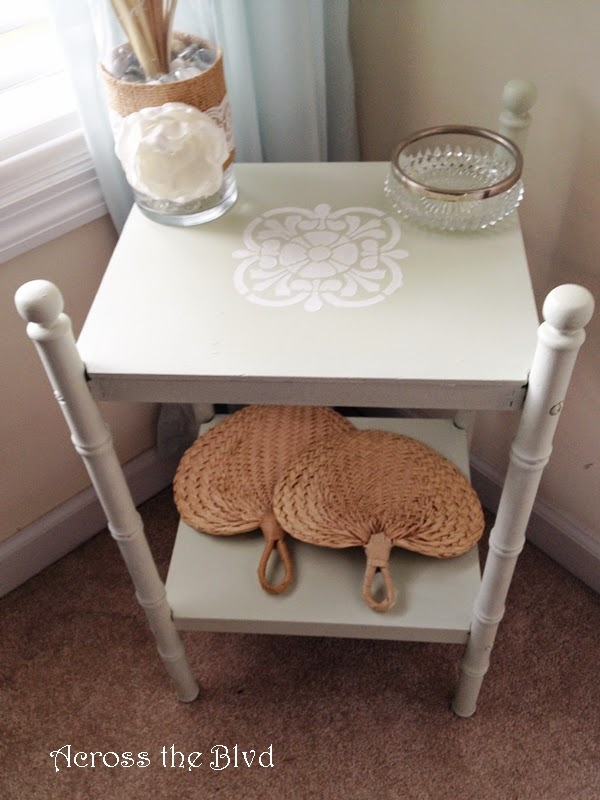 STENCILED TABLE WITH CHALK PAINT