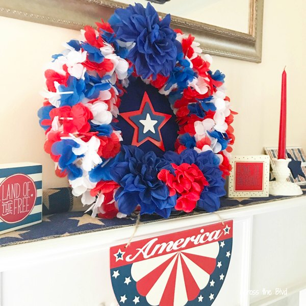 Patriotic Wreath Using Dollar Store Leis