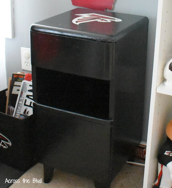 Side Table Makeover for a Sports Room painted black with Atlanta Falcons vinyl decal on top