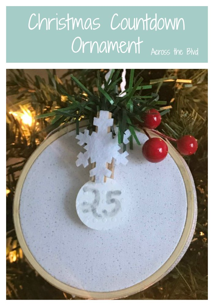 Christmas Countdown Ornament with snowflake and berries