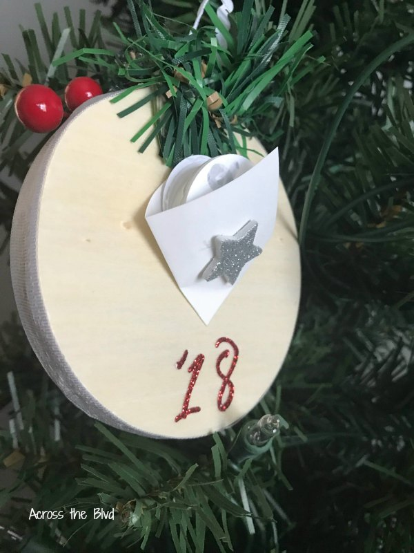 Christmas Countdown Ornament with small pouch on back