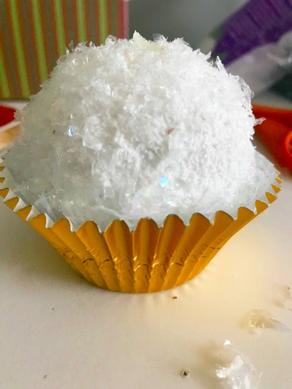 DIY Cupcake Ornament ball covered with snow in liner
