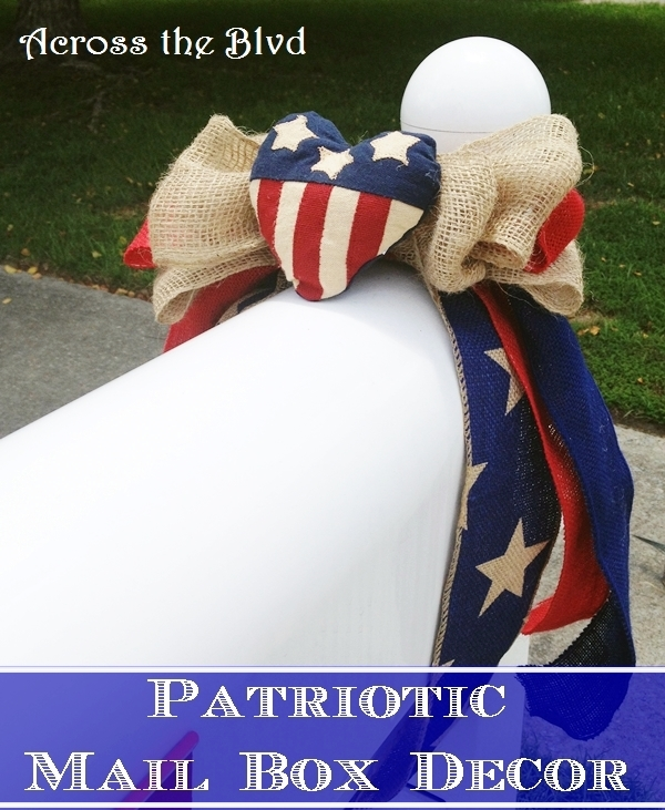 Simple Patriotic Mail Box Decor